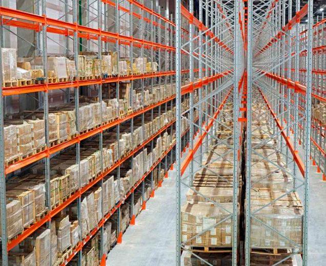паллетные фронтальные стеллажи на складе